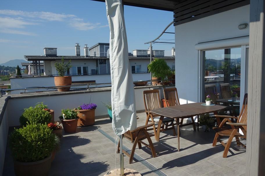 Четырехкомнатная квартира в центре Любляны