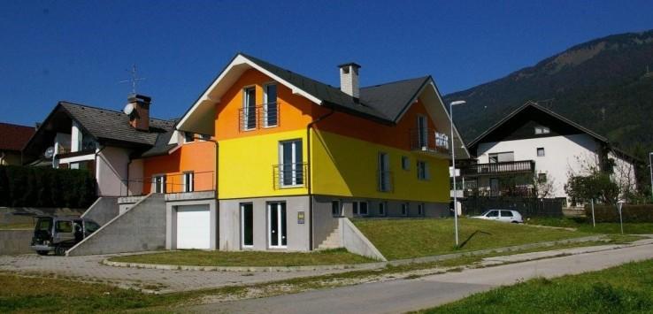 Дом на две семьи в муниципалитете Крань