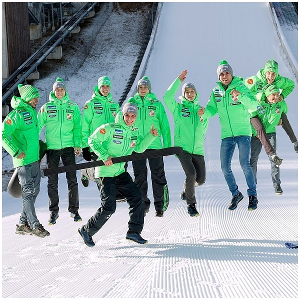 Greeting heroes in ski jumping 2019